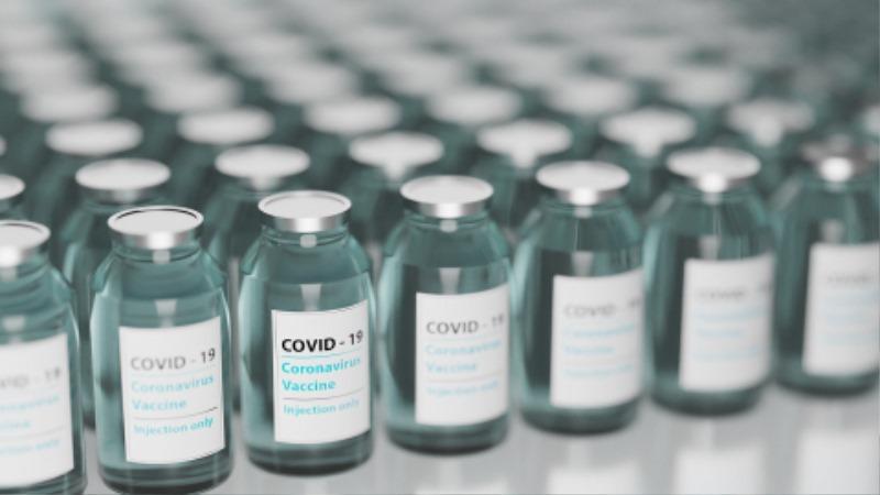 vaccine-5895477_1920.jpg